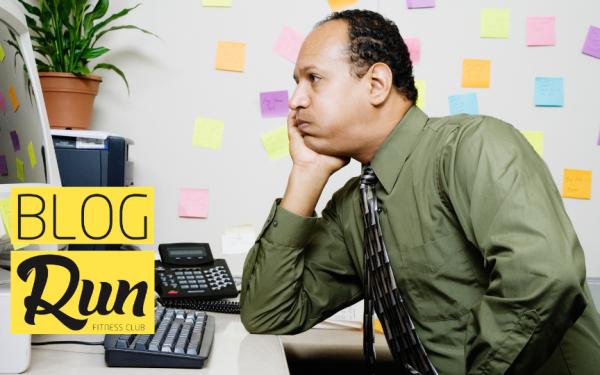 6 Problemas que você pode ter por passar muito tempo sentado.